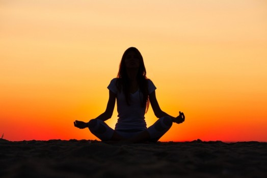 YogaWomanSilhouette-850x567